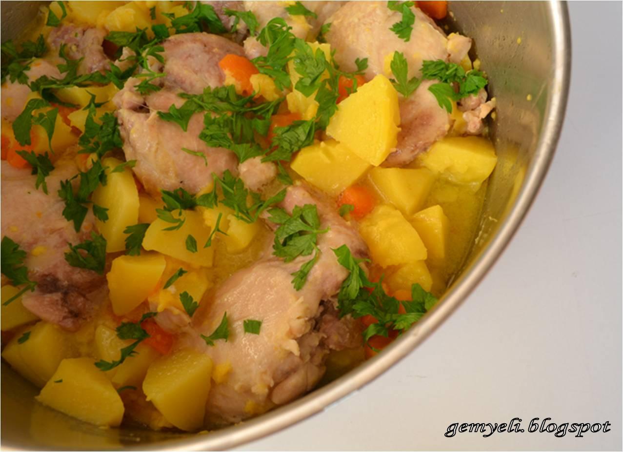 Terbiyeli Garnitürlü Tavuk Yemeği