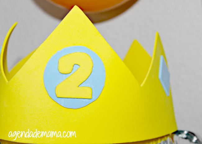Corona de goma eva para cumpleaños