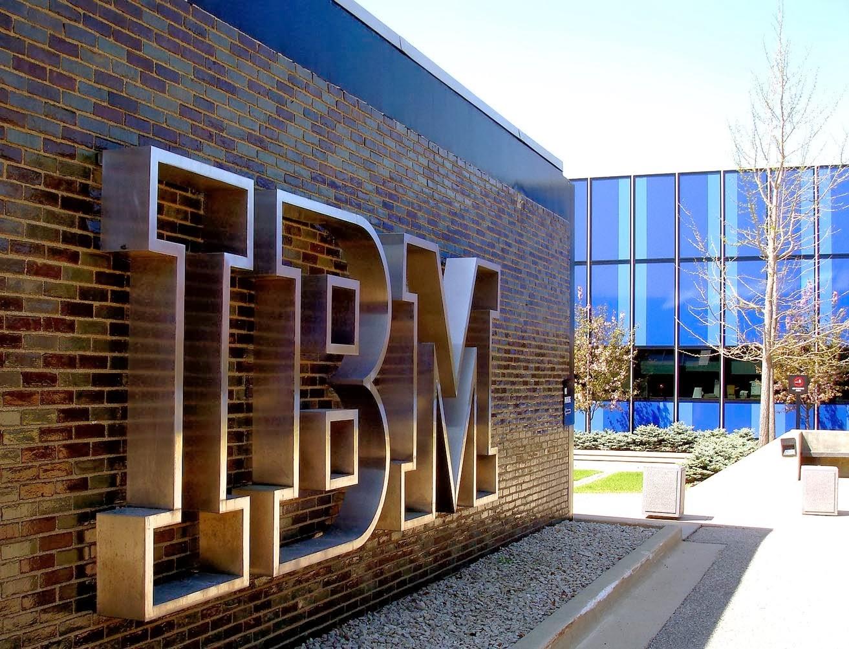 هنأت IBM نفسها من خلال بيان صحفي وذلك بعد إحتلالها المركز الأول في أكبر عدد من براءات الإختراع المسجلة في الولايات المتحدة الأمريكية وحدها خلال سنة 2013 ...