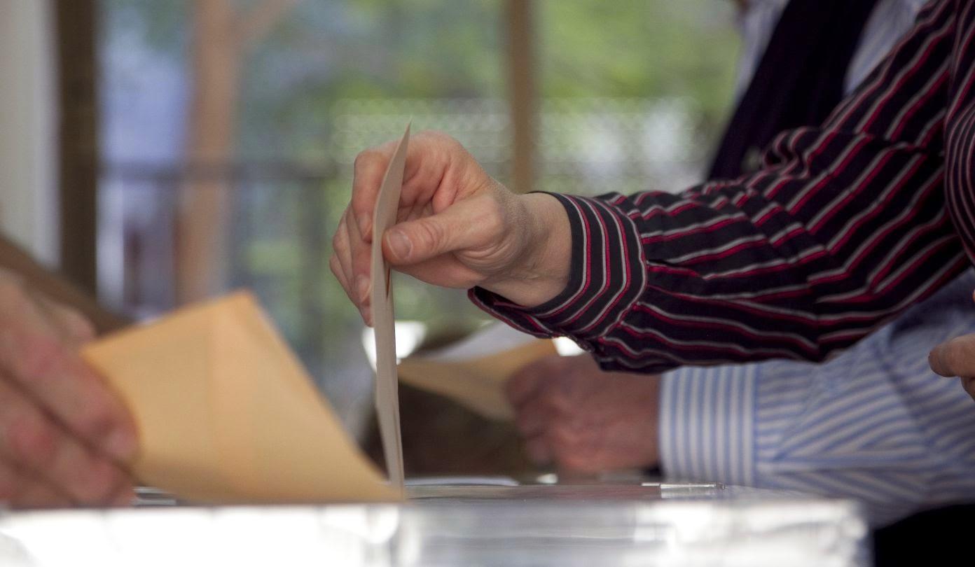 Administracion electoral en Derecho constitucional