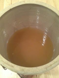 making apple cider vinegar