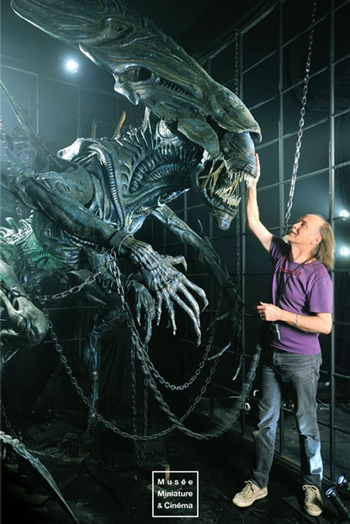 19-Alien-Queen-Studio-Gaudin-Ramet-Dan-Ohlmann-Musée-Cinéma-et-Miniature-Miniature-Movie-Sets-and-Realistic-Sculptures-www-designstack-co