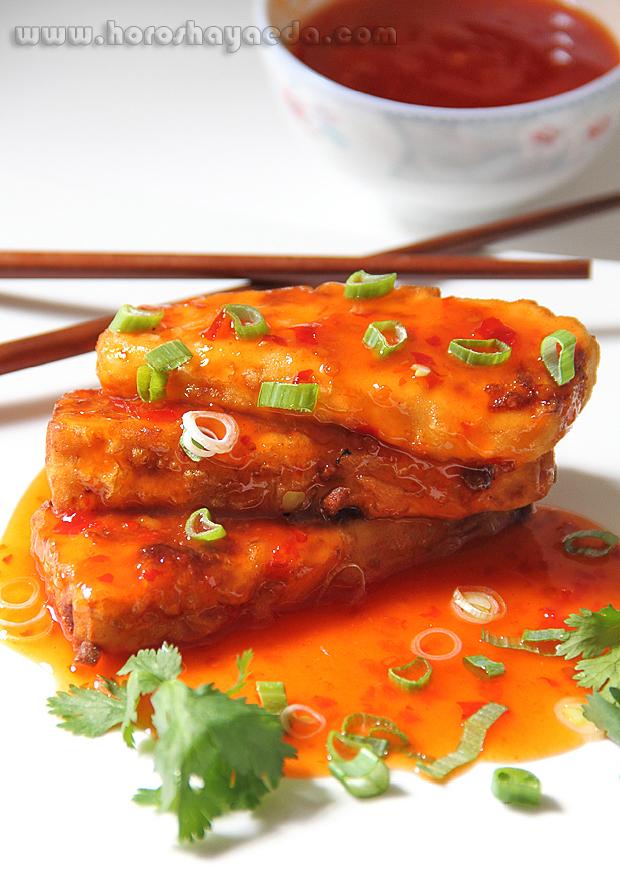 Жареный тофу  под остро-сладким соусом