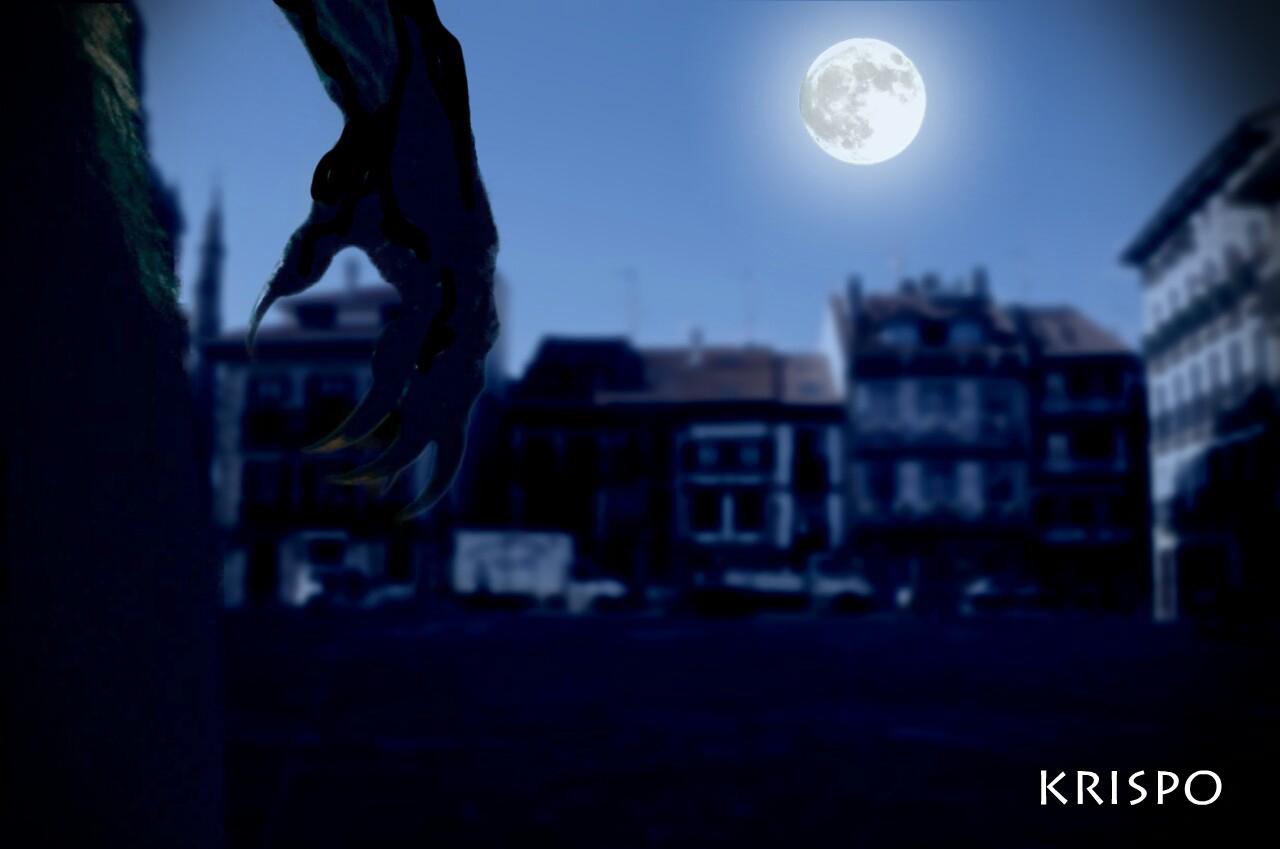 detalle de mano de hombre lobo con luna llena de noche