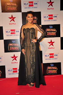 Actress Sonakshi Sinha Pictures in Long Dress at BIG STAR Entertainment Awards 2014  2