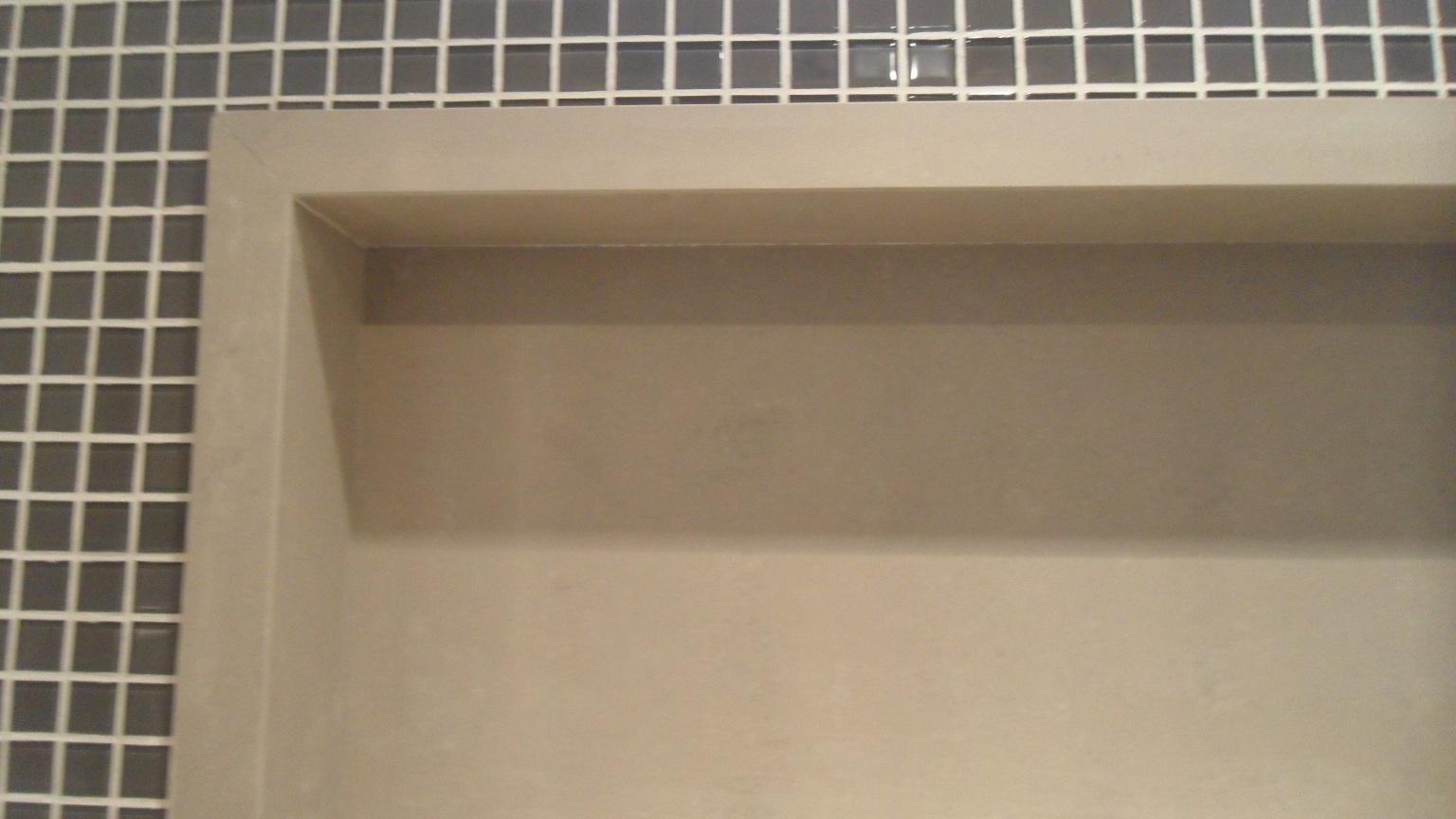 porcelanato.: Bancada e Nicho Porcelanato Portinari por Bel Taglio #7F6B4C 1536x864 Bancada Banheiro Porcelanato Como Fazer