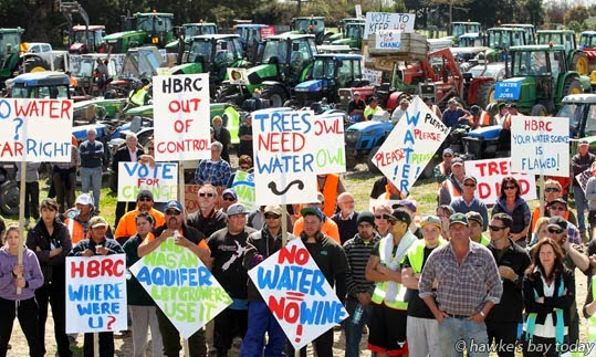Growers Action Group (GAG) tractor parade, protest, from Twyford through Hastings to Havelock North, protest about water availability during the drought, promoting new councillors for the Hawke's Bay Regional Council in the coming elections photograph