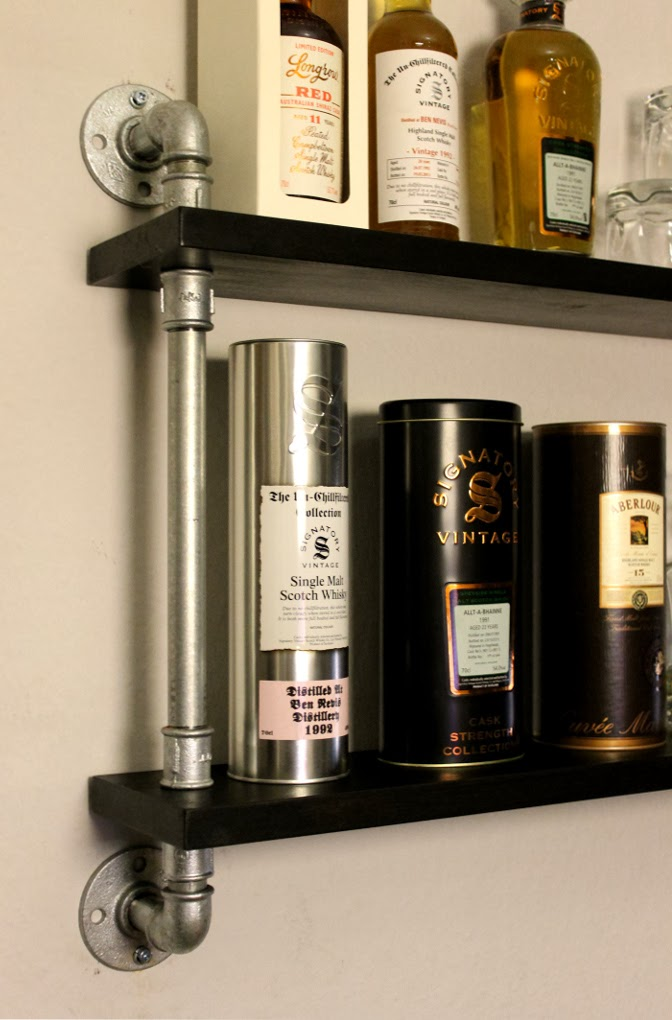 Whisky display temperguss rohr regal for Industrial look regal