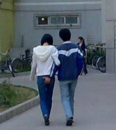 8 780090 Aksi Terlampau Pasangan Bercinta Di China