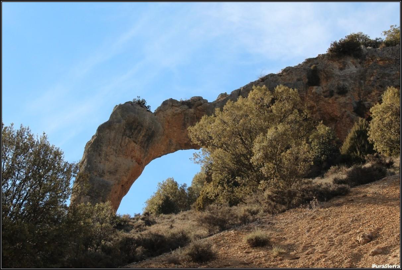 El Rollo (arco de roca en Calomarde)