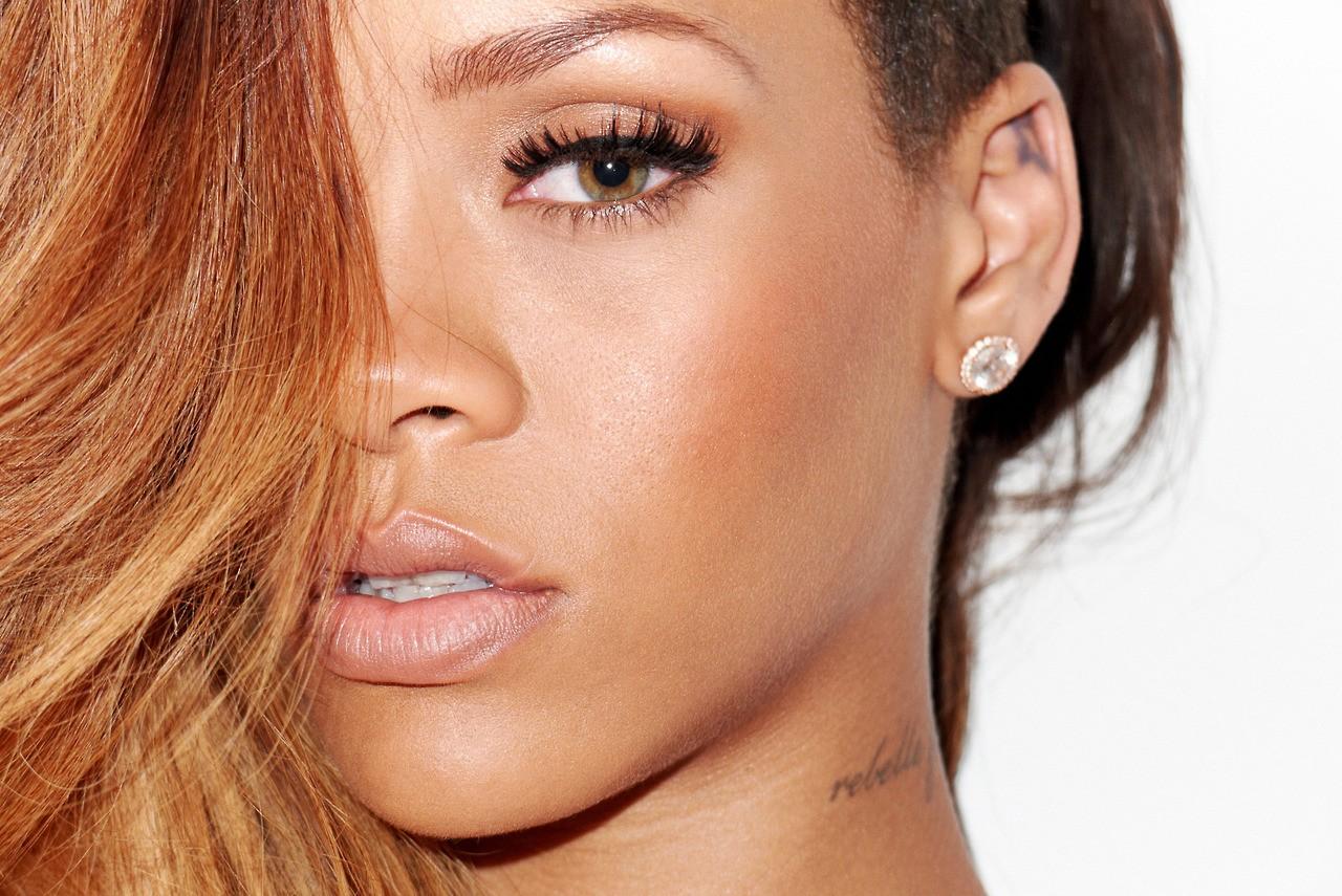 http://4.bp.blogspot.com/-mrEh_bYtYNI/URCfwmuPBWI/AAAAAAABY84/JE8t59xZXtg/s1600/Rihanna-magazine-photo-shoot-20137.jpg