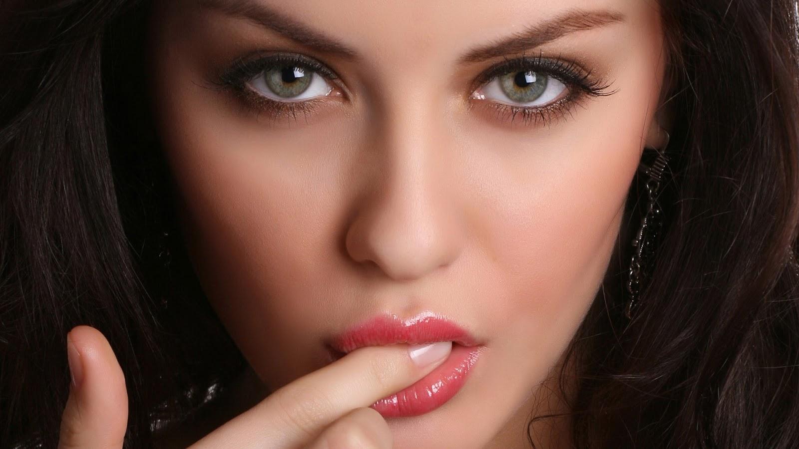 Зеленые глаза блядские