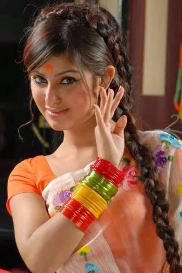Bangladeshi Girls In Salwar Kameez And Saree Jeans - Smartrena - Life ...