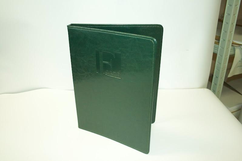 Папка-меню из высококачественной искусственной кожи зеленого цвета