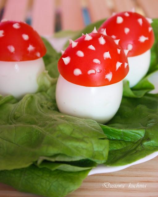 muchomorki z jajek, muchomory jajka, jajka jak muchomory, wielkanocne jajka