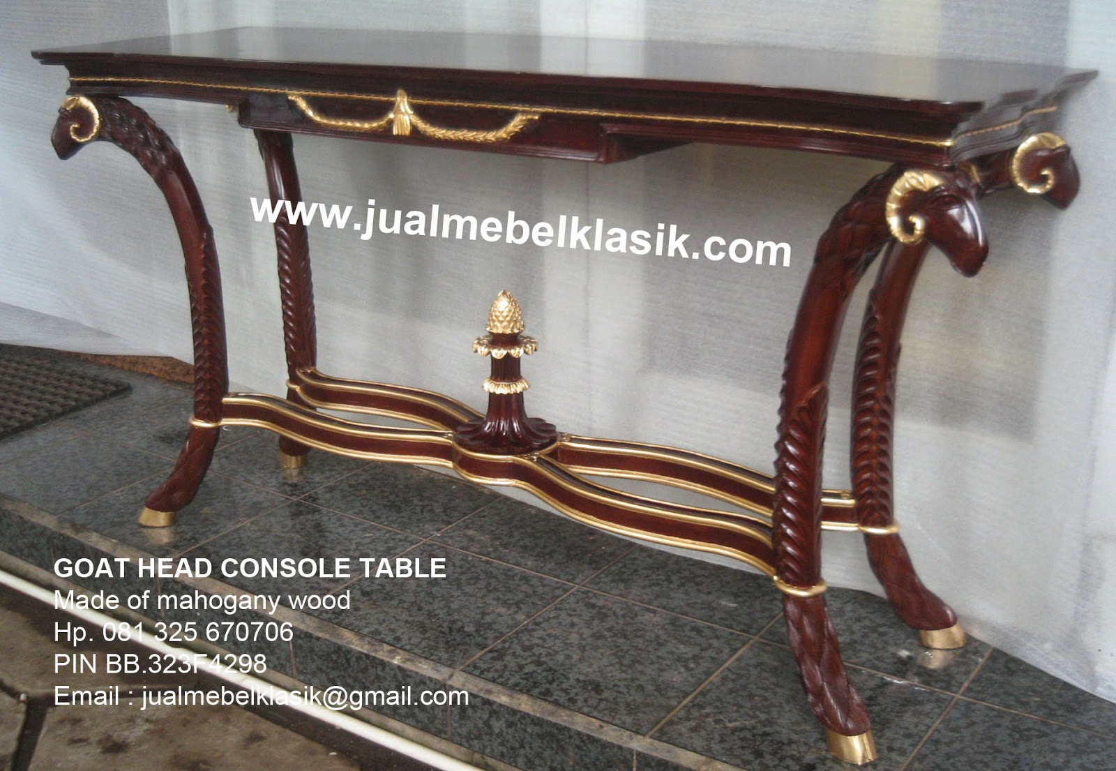 Supplier mebel klasik supplier console table supplier classic console table supplier goat head console table mahogany supplier cosole table jepara