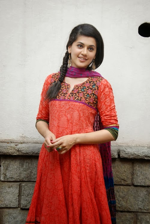 Gorgeous+Taapsee+Pannu+in+Traditional+Dress002
