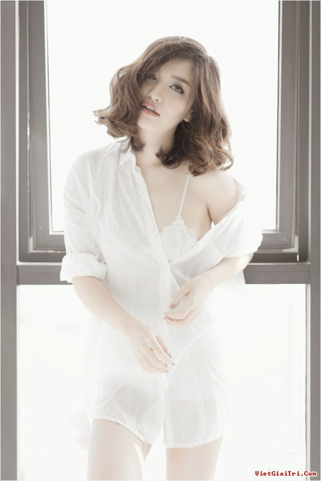 Bích Phương trắng xinh quyến  rủ