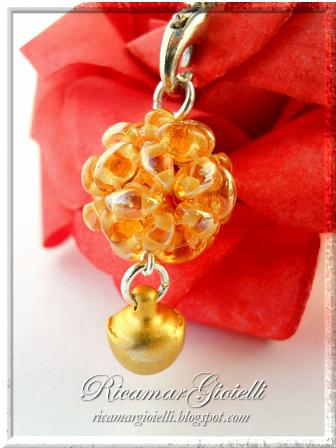 Sfera realizzata con twin beads