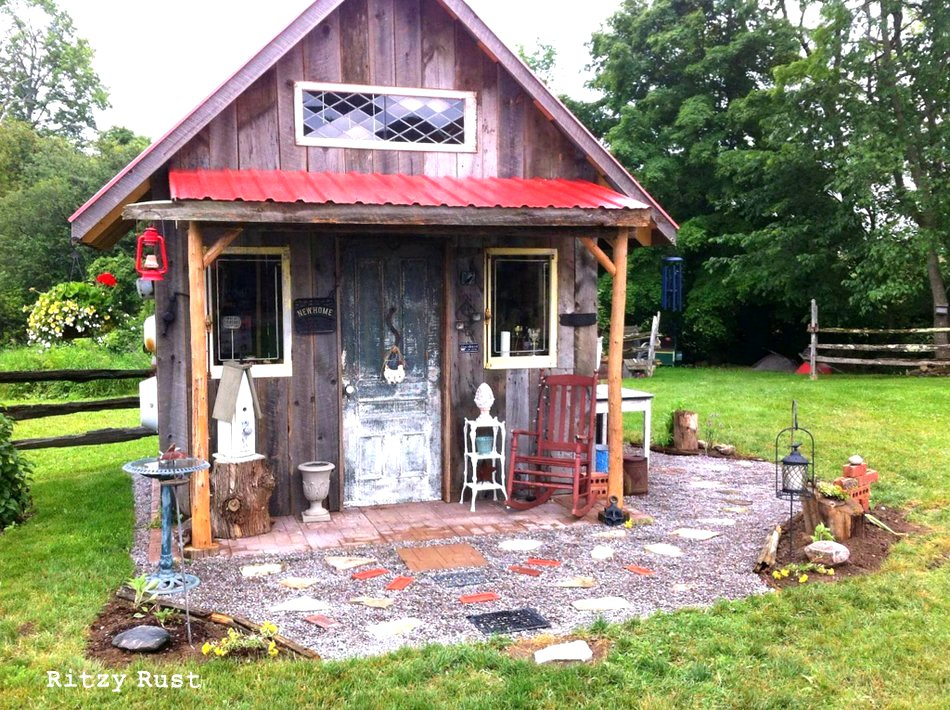 Now this is one little ritzy junk shed.. adorable! By Ritzy Rust ...