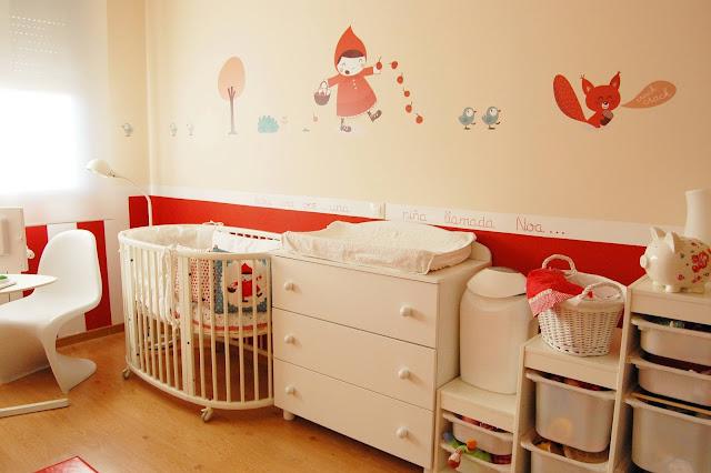 habitacion de bebe decorada en rojo, cuna ikea, vertbaudet, stokke, prenatal, les contemplatives