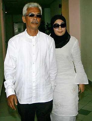 Gambar Siti Fatimah dan Raisuddin Hamzah Bapa Siti Sarah Sembunyi Nikah Di Siam