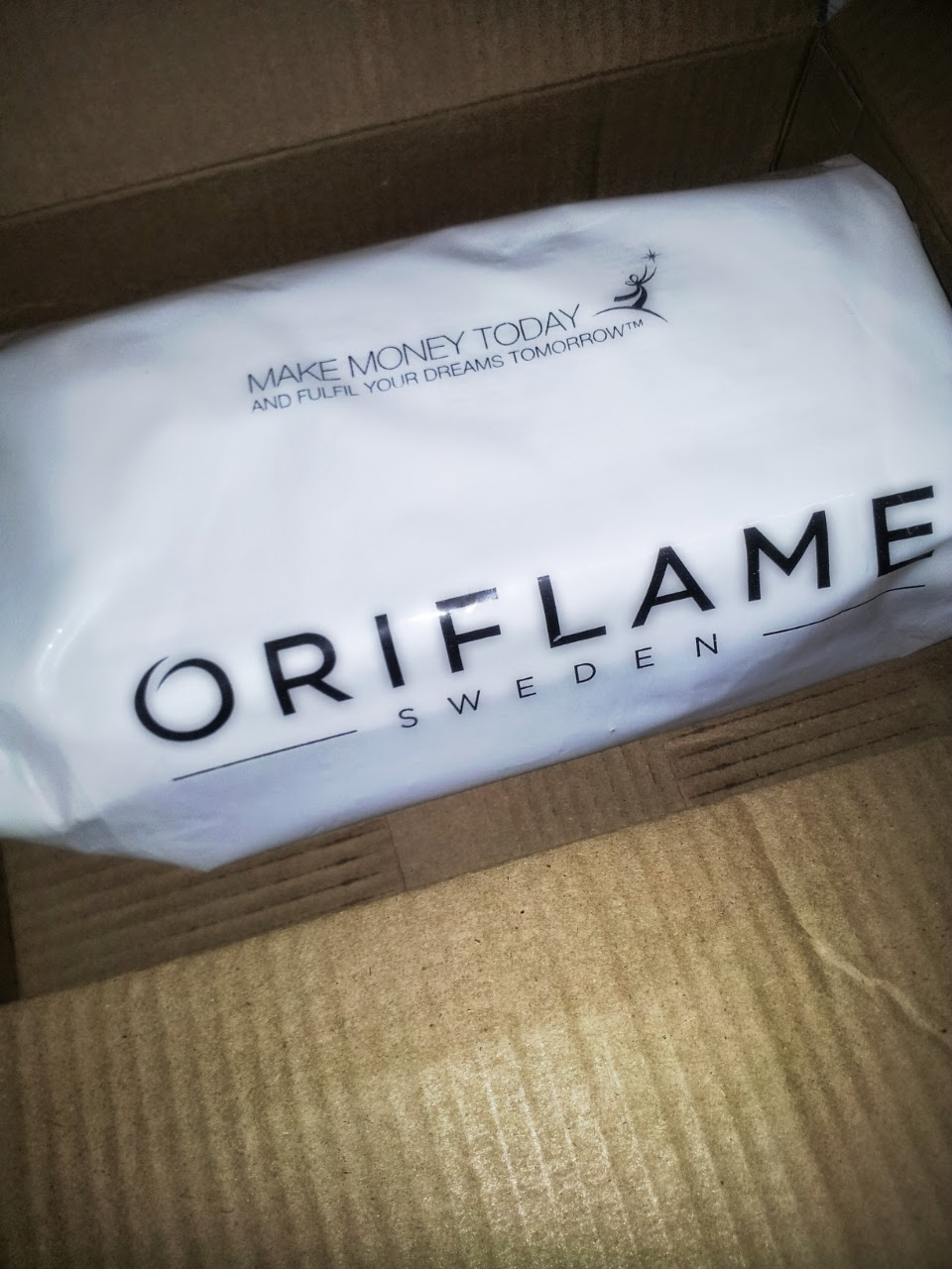 Oriflame Packaging in Aoril 2014 - An Oriflame Consultant's Experince of Online Shopping From Oriflame (India) Website