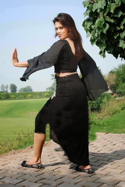 Sobia Khan Hot