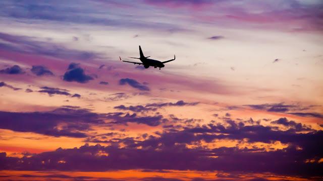 Airliner plane sunset HD Wallpaper