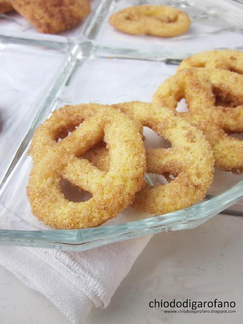 biscotti bretzel allo zenzero e cannella