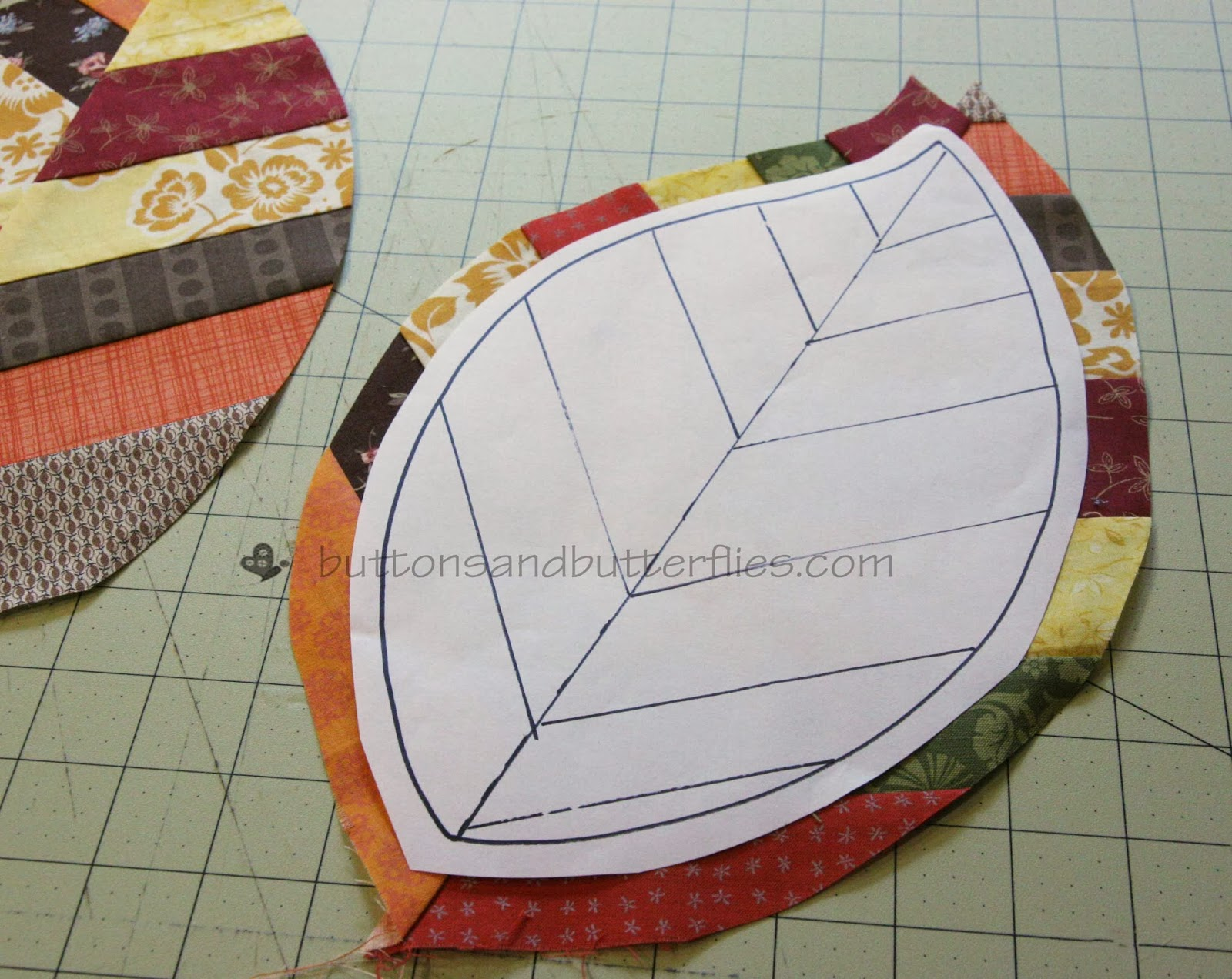 buttons and butterflies quilted leaf potholders tutorial