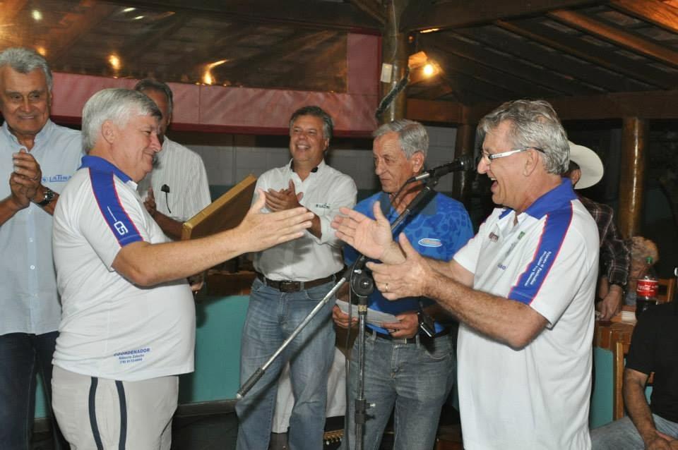 DIA 7/FEV. FOI ANIVERSÁRIO DO CELSÃO REIS, COORDENADOR DE BOCHA DO COUNTRY CLUB. PARABÉNS E SAÚDE!