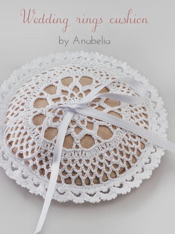Wedding rings cushion pattern