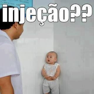 bebe oriental com medo de injeção