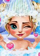 Малышка Эльза Купание - Онлайн игра для девочек