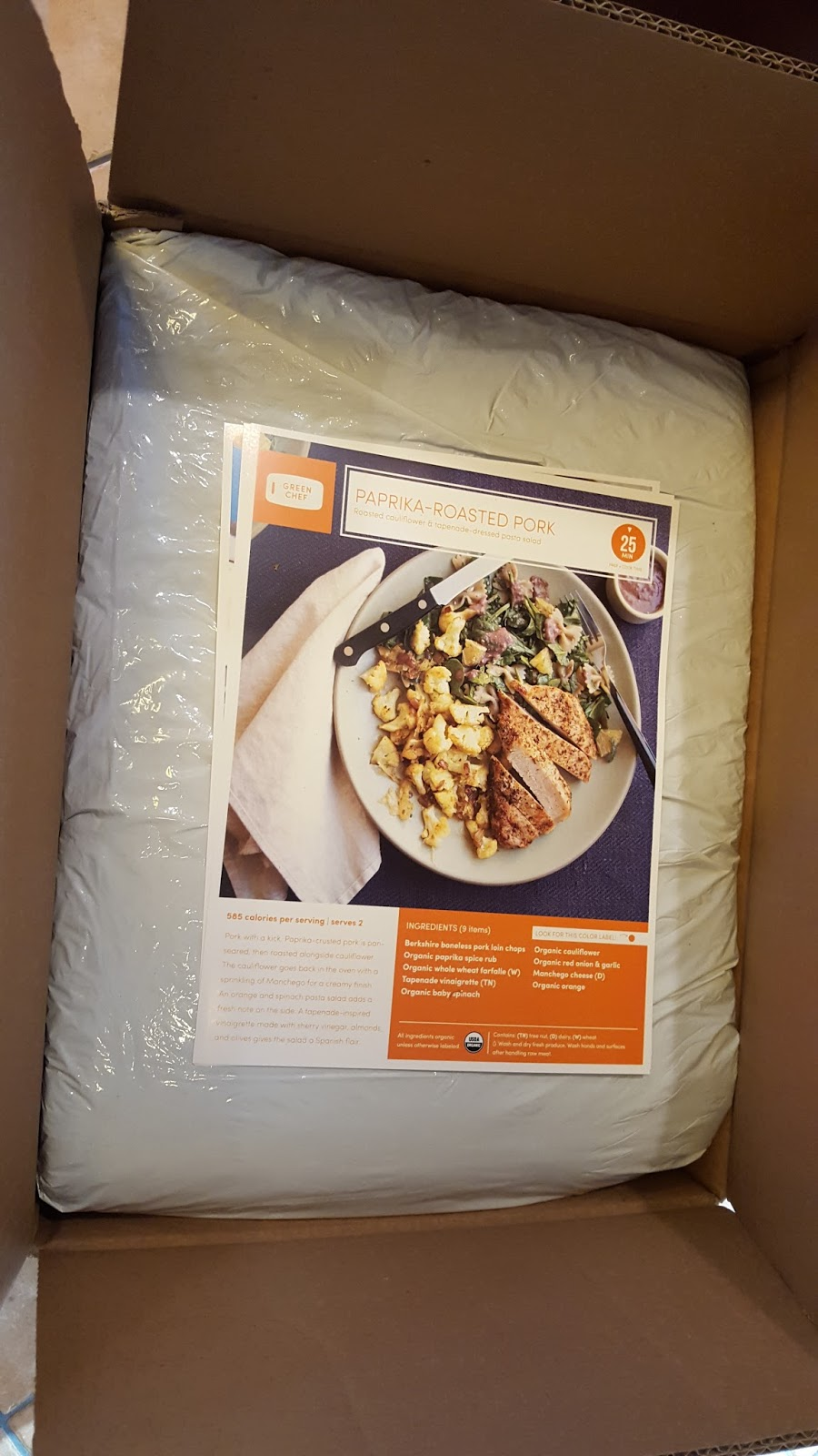 Blue apron green chef - Recipe Cards Are On Top Of The Padding Which Has No Tape Nor Glue So Unlike Blue Apron The Cards Can T Get Stuck On The Padding