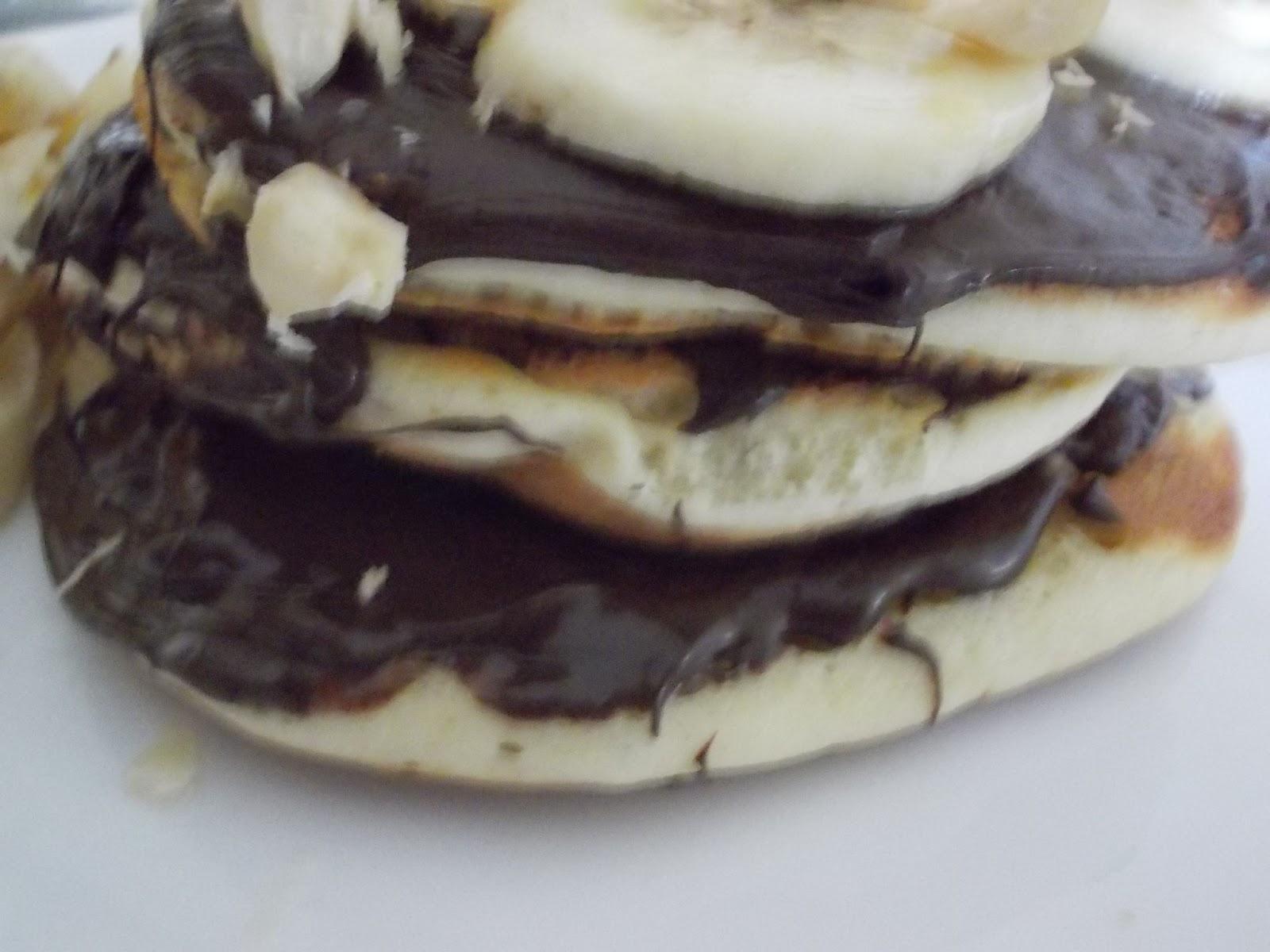 Çikolatalı ve Muzlu Pankek