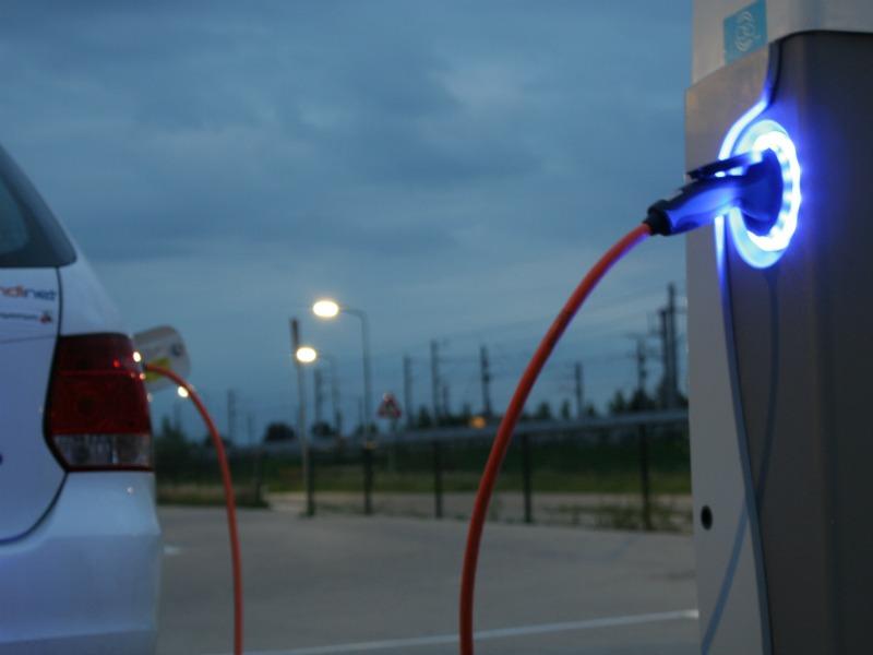 Elektrisch Rijden Hoe Werkt Het Opladen Van Een Elektrische Auto