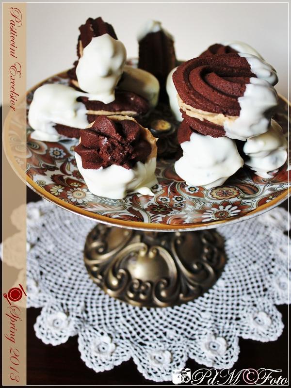http://www.pecorelladimarzapane.com/2013/04/pasticcini-excelsior-o-dessert-alla.html