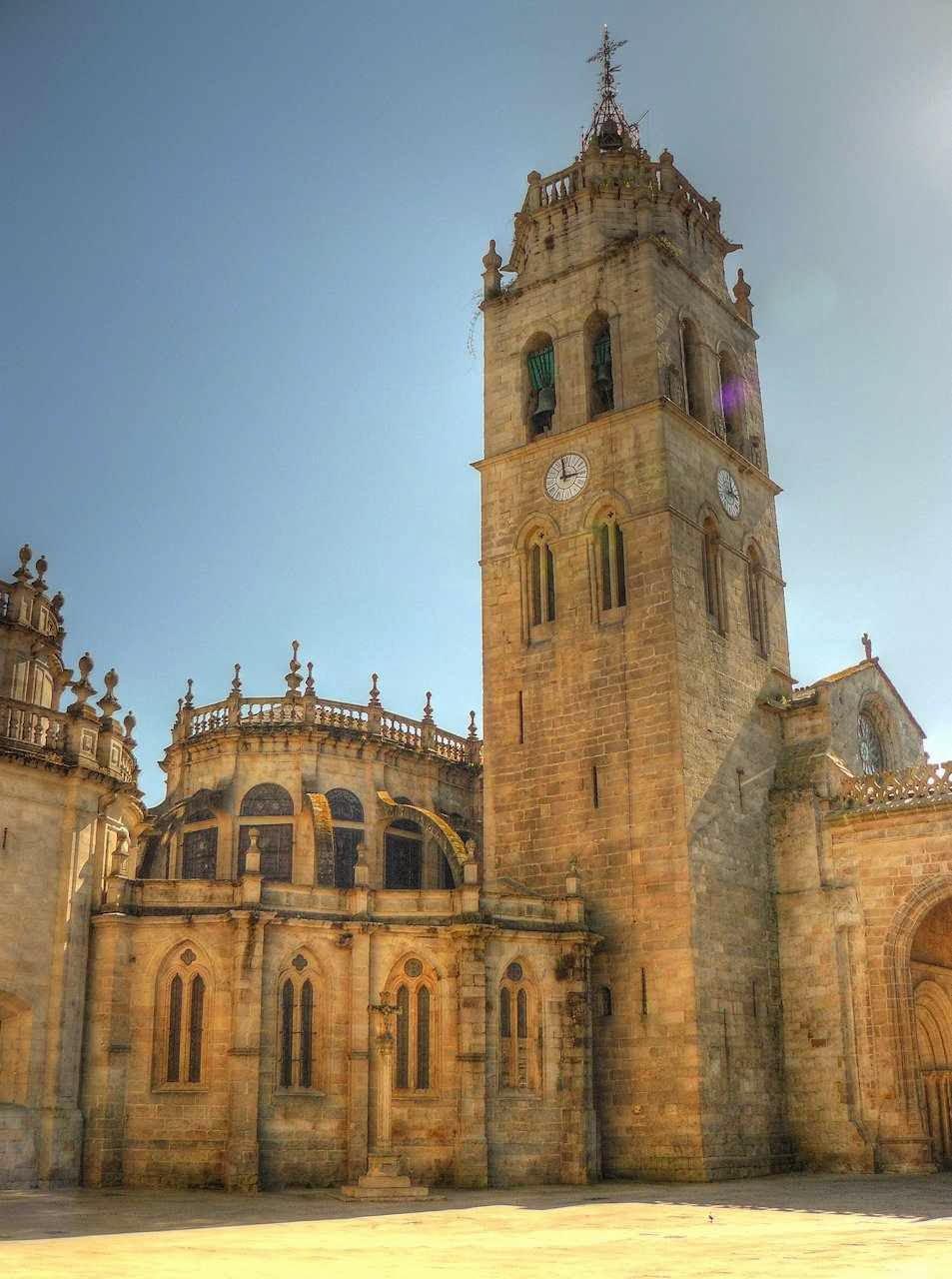 Aspectos exteriores da catedral de Lugo
