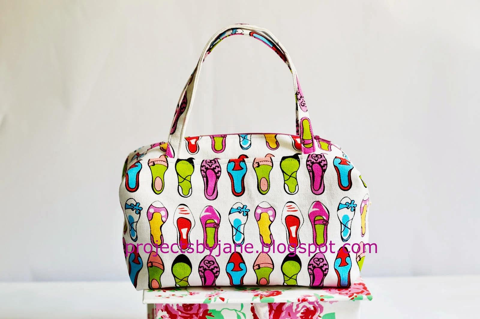 https://www.etsy.com/listing/204278646/janes-little-boxy-bag-pdf-pattern?ref=shop_home_active_5