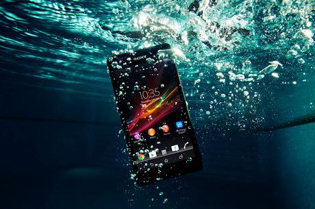 Sony Xperia ZR dalam air
