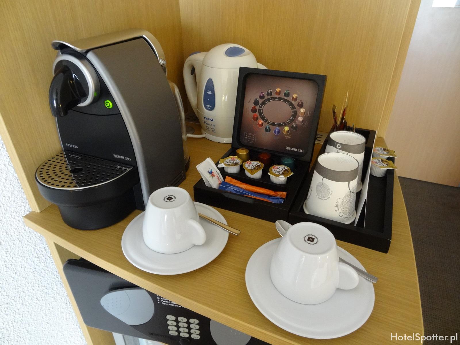 05. Novotel Warszawa Airport - ekspres do kawy Nespresso