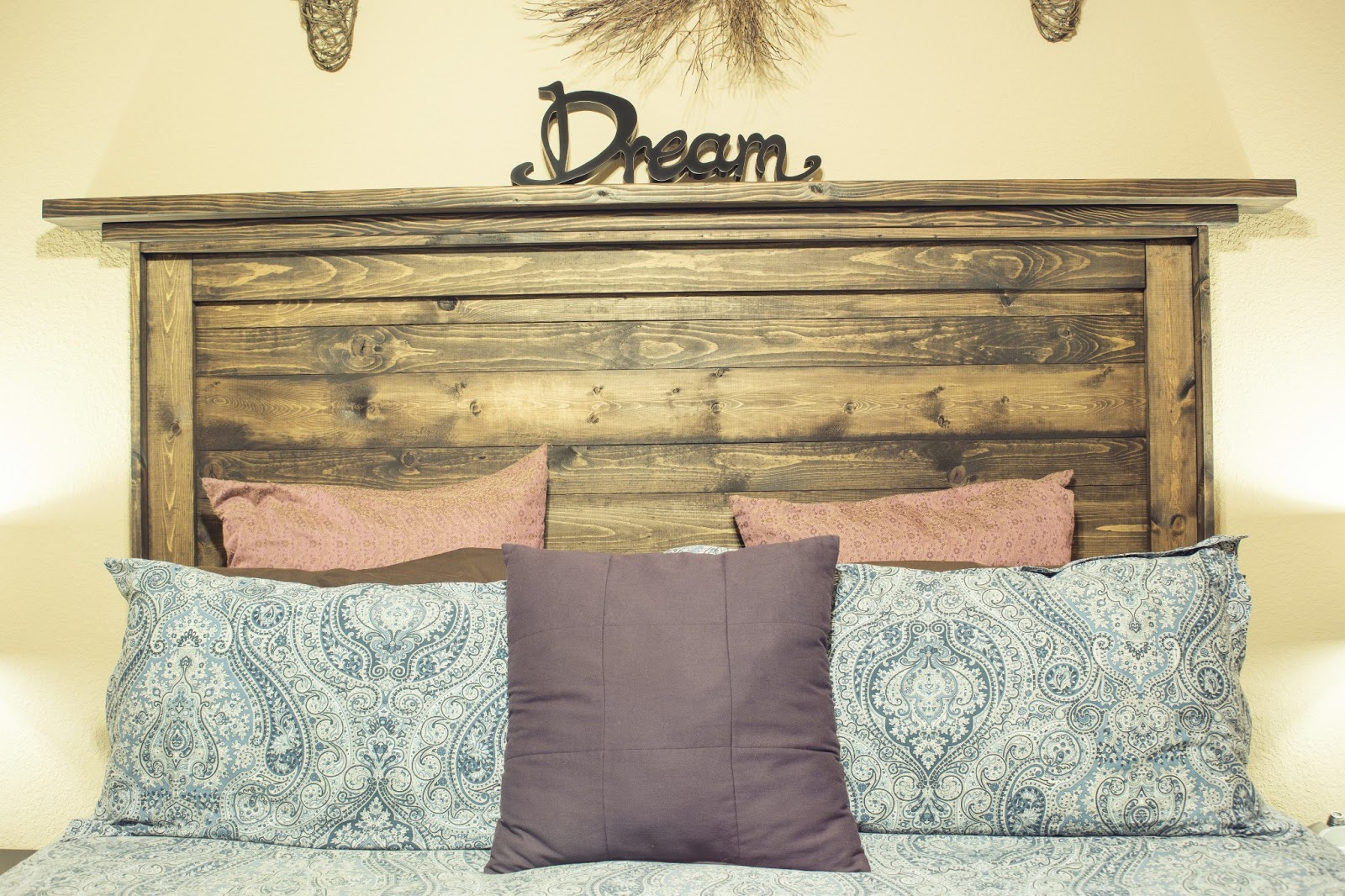 Diy ana white reclaimed wood headboard cavalier girl - Cabecero de tablas ...