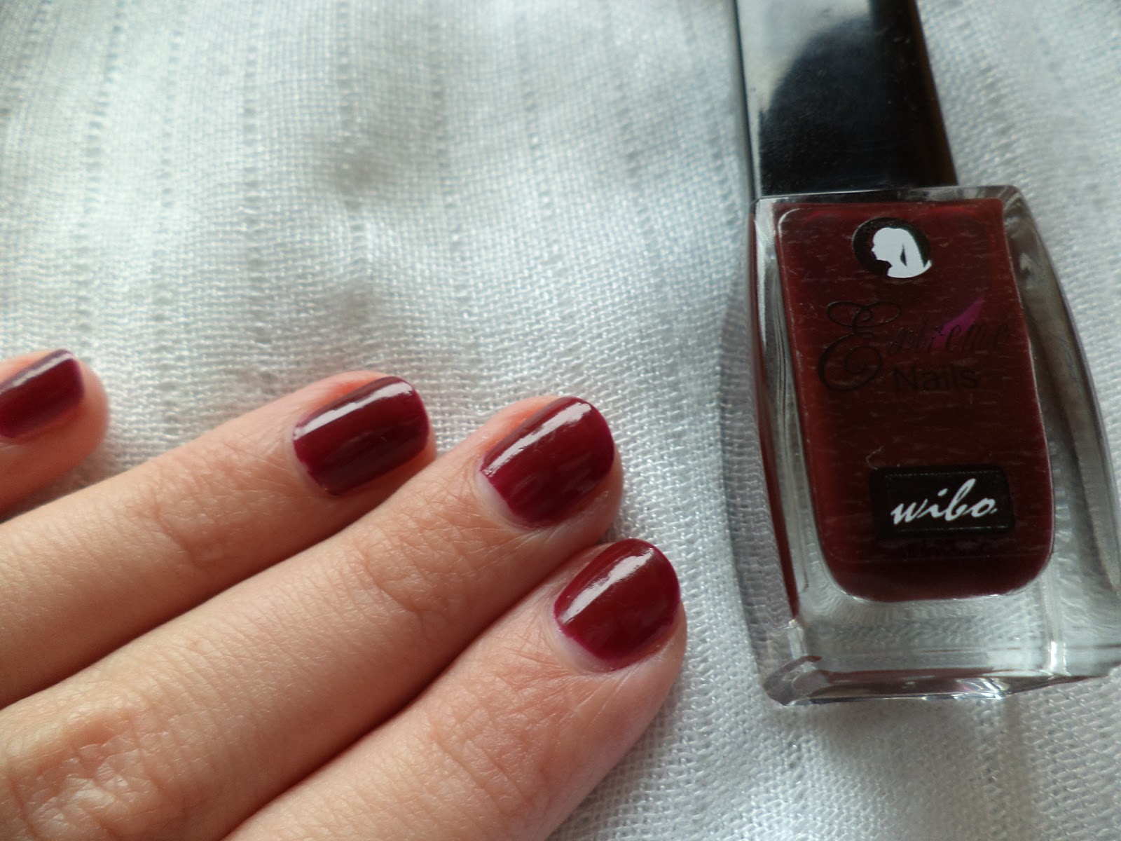 UniqaPoly: Review&Swatches: Wibo & Bell nail polish