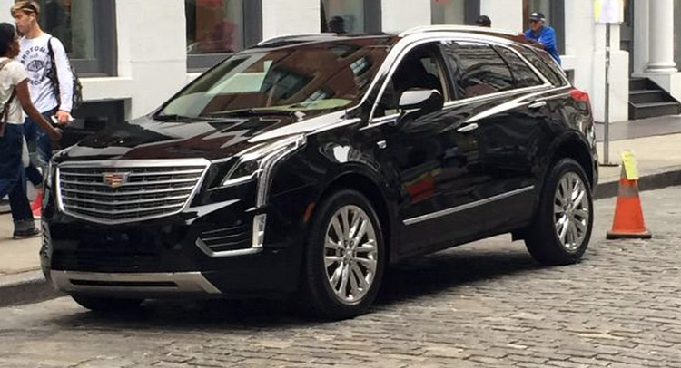 new 2016 cadillac xt5 spotted undisguised replaces srx. Black Bedroom Furniture Sets. Home Design Ideas