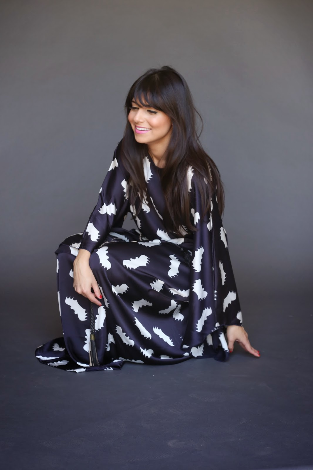 long sleeve maxi kaftan dress with all over bat print and rope belt Mode-sty