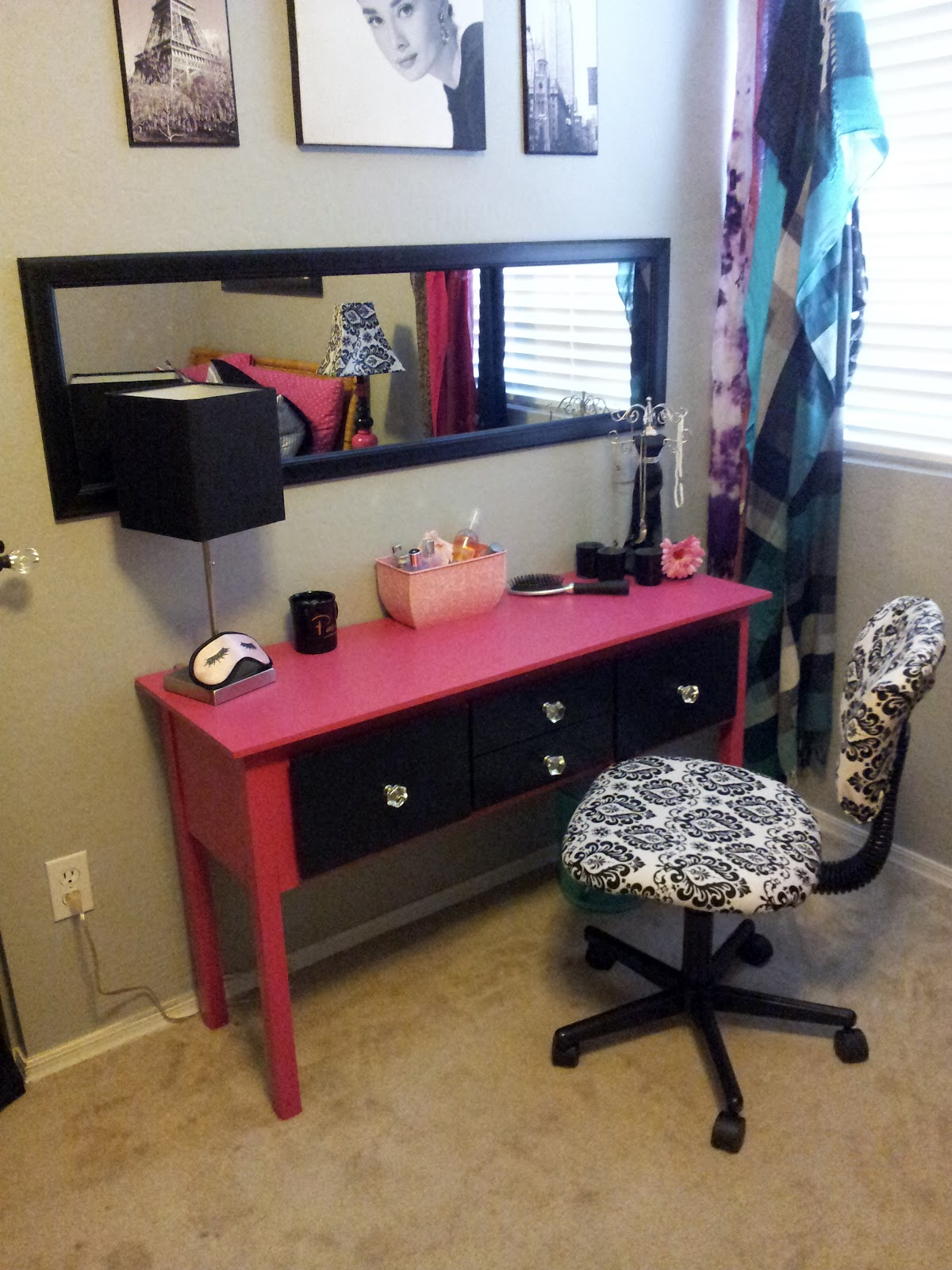 The Big Plate Of DIY Gettin 39 Gussied Up Side Table To Makeup Table