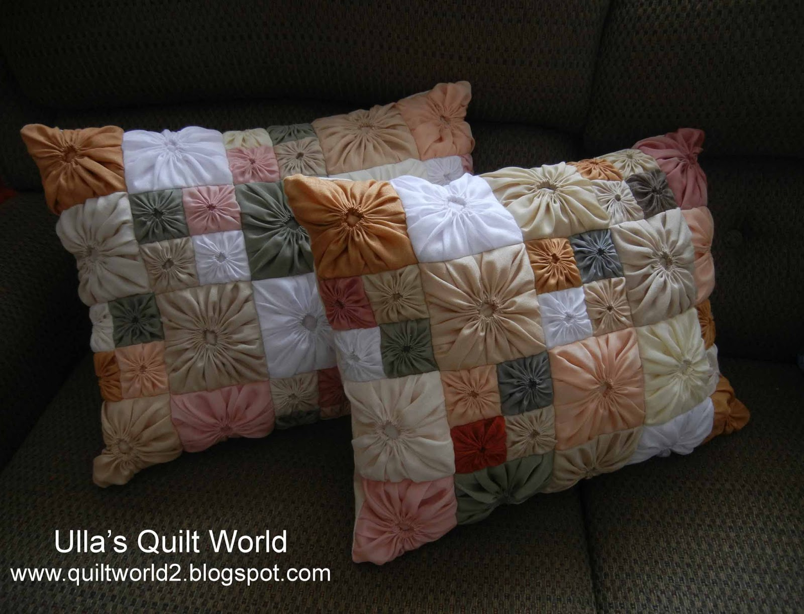 Quilt Patterns Pillowcases : Ulla s Quilt World: Square Yo-Yo pattern, Quilted Pillowcase