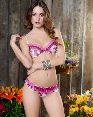 Venta por cat logo de ropa for Modelo de catalogo de productos